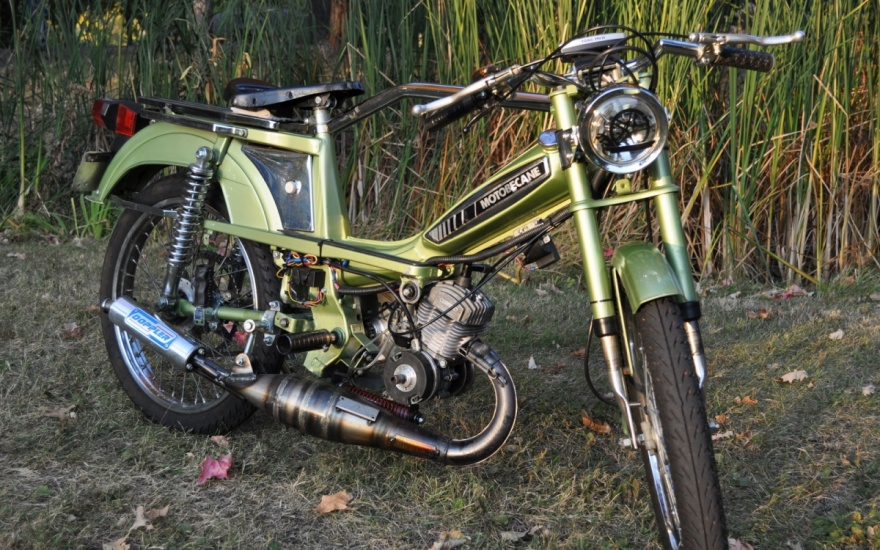Marty's Garage | Moped Glamour Shots