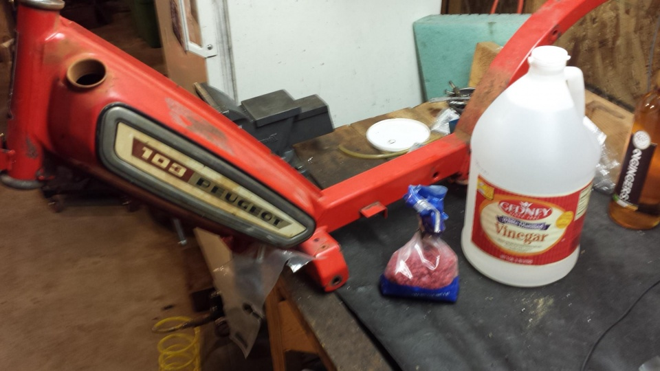 Marty's Garage | Cleaning and Sealing a Moped Gas Tank