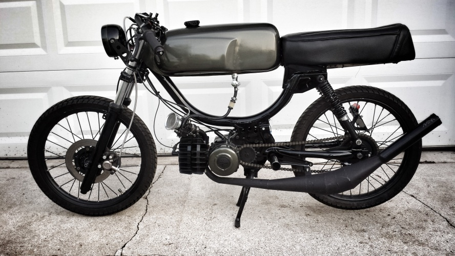 The Grumpy Dumpies - Puch Moped